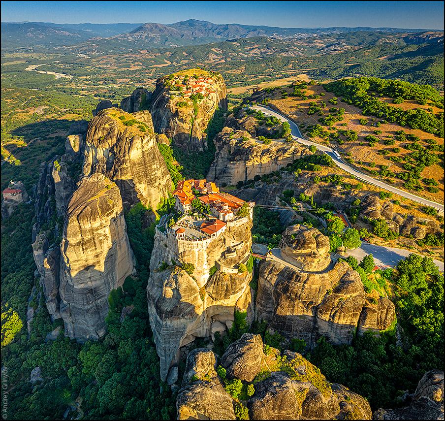 http://anagr.com/internet/Greece/Meteora/Meteora-031.jpg