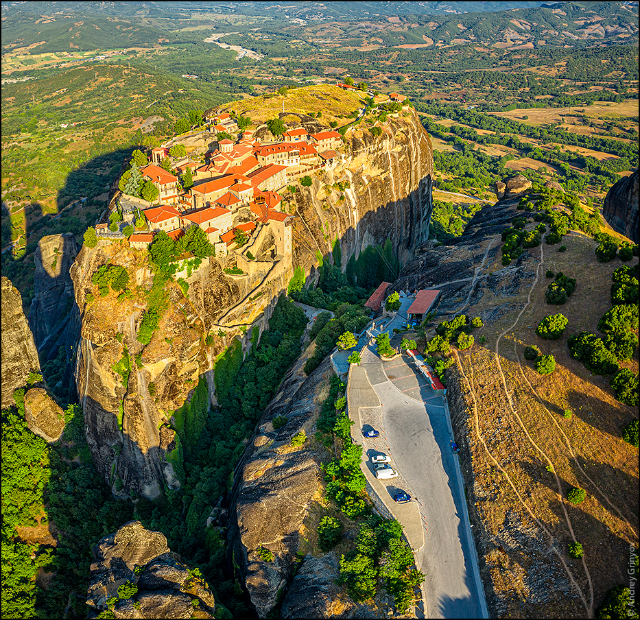 http://anagr.com/internet/Greece/Meteora/Meteora-032.jpg
