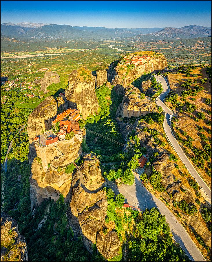 http://anagr.com/internet/Greece/Meteora/Meteora-039.jpg