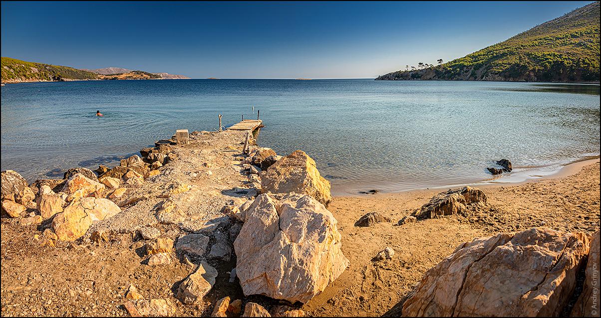 http://anagr.com/internet/Greece/Skyros/Skyros-001.jpg