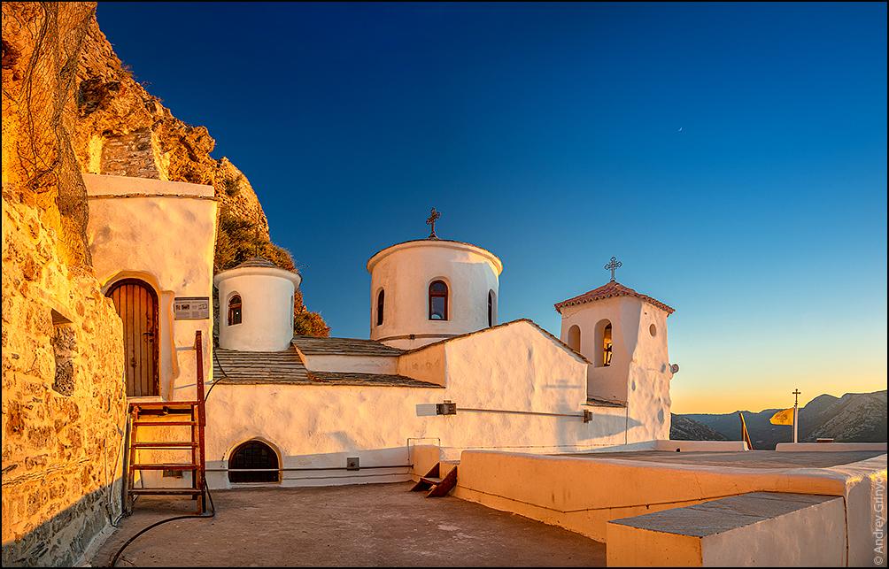 http://anagr.com/internet/Greece/Skyros/Skyros-019.jpg